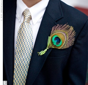 simple Peacock boutonniere