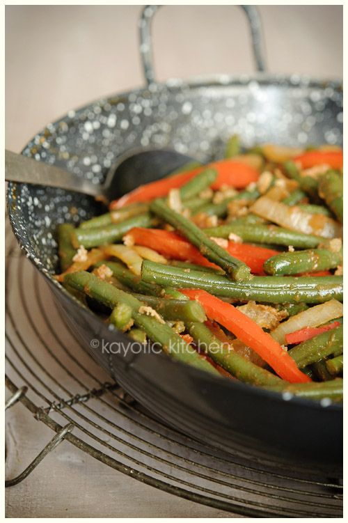 Sambal Goreng Buncis-Green beans with red pepper and onions