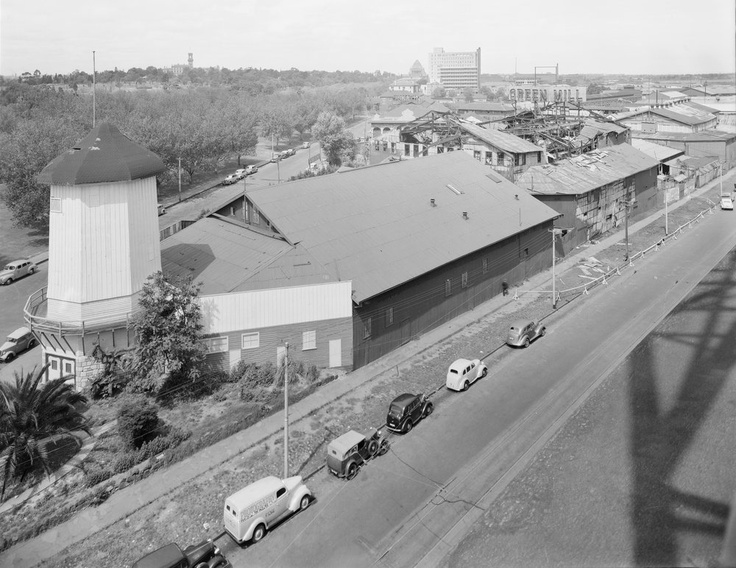 The Green Mill Dance Hall, ca 1941. This is where Arts Centre Melbourne sits today. The image looks South down St. Kilda Road. Photography by Fowler, Lyle. #vintage #melbourne #dance #forties