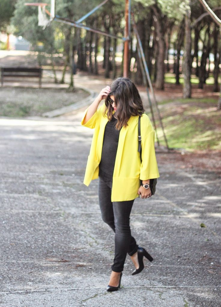 maituins-outfit-look-kimono-yellow-black_jeans