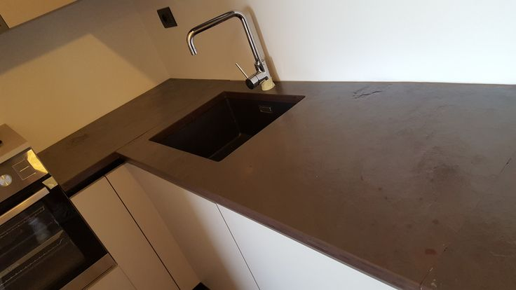 Top cucina in ardesia bordò piano naturale con lavello sottopiano e foro per fuochi ad induzione