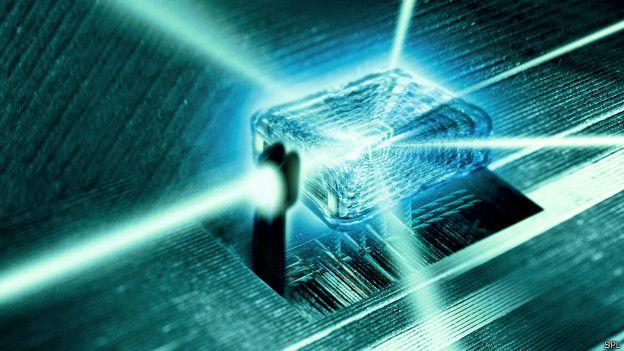 """Computadoras con velocidad y capacidad descomunales o materiales con """"superpoderes"""" son algunas de las tecnologías desarrolladas a partir de los hallazgos más importantes de la física contemporánea.  ¿Pero cómo elegir, entre todos, los cinco más relevantes de los últimos 25 años? A esa tarea se abocaron los expertos de la revista especializada Physics World para celebrar su 25º aniversario."""