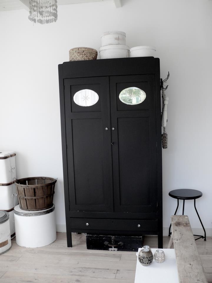les 101 meilleures images du tableau dkf armoires sur. Black Bedroom Furniture Sets. Home Design Ideas