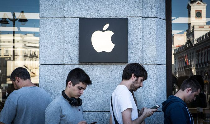 Apple Profit Up 38%, but iPhone Sales Disappoint Wall Street - The New York Times