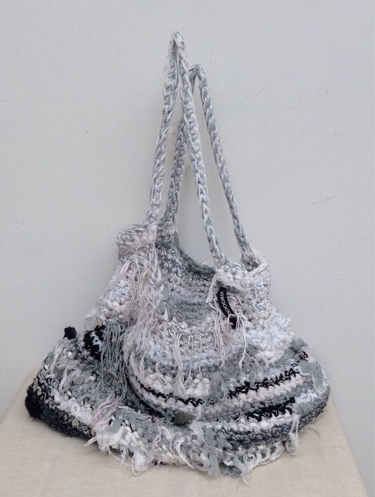 Een persoonlijke favoriet uit mijn Etsy shop https://www.etsy.com/nl/listing/531910216/handmade-womans-tote-scholder-bag