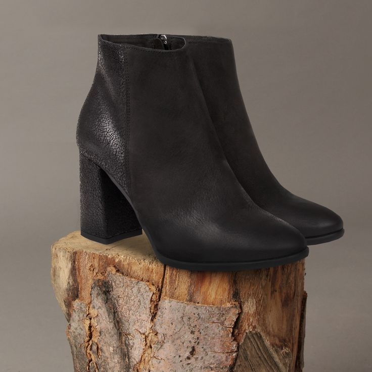 Czarne botki na obcasie - HOT or NOT?  #winter #madeinpoland #shoes #leather #leathershoes