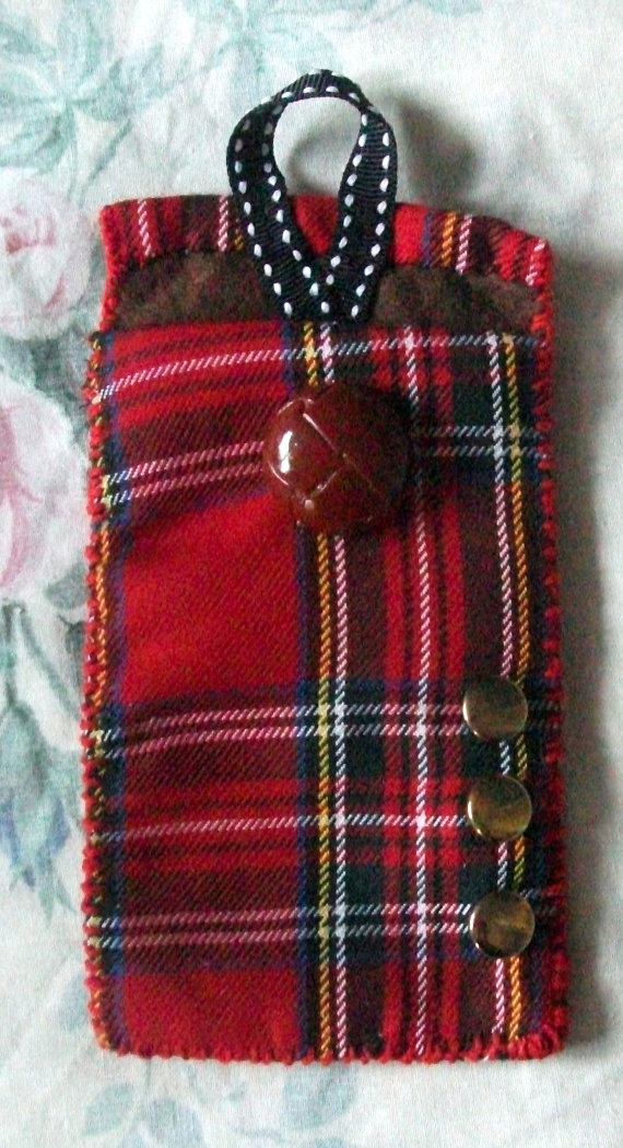 Tartan mobile phone cover. Ideal for both men and women.