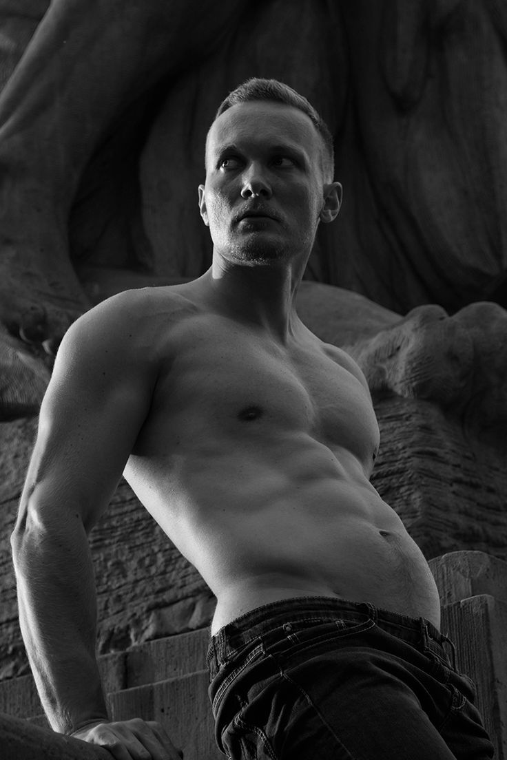 """Wish I had the chance to be there, this relentless work by photographer Xander Hirsh featuring Karl Bloss is the major thing! """"Monumental"""" shows perfection and beauty of human body in combination with city architecture and sculptures. Agreed, Karl looks so good, fit and bulking, this is a gorgeous man. Don't miss out on more stunning photography by Xander a model turned photographer based in Wrocław, Poland."""