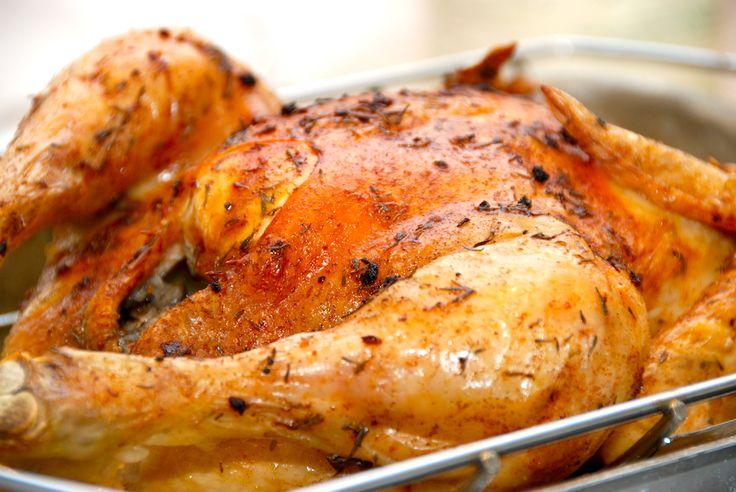 Se her hvordan du laver en super lækker og ovnstegt kylling med hvidløg og brunet smør. En god metode til stegning af kylling.