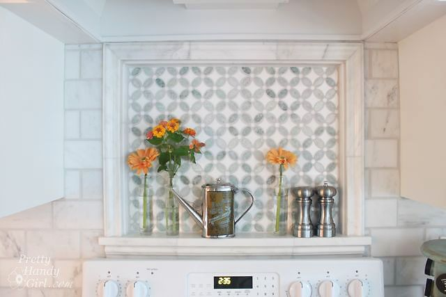 Wow - that tiled nook is AMAZING! Love the marble and pattern. So pretty.