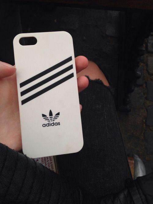Funda de móvil Adidas negra y blanca