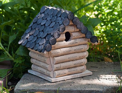 cork birdhouse | My DIY wine cork bird house