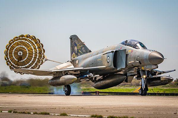 Αναβαθμισμένο μαχητικό F-4E της Πολεμικής Αεροπορίας (μέσω iaf.org.il)   A Hellenic upgraded F-4E fighter aircraft (via iaf.org.il)