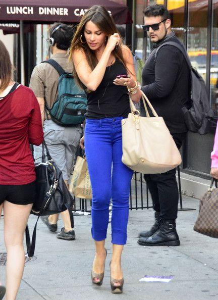 Sofia Vergara - blue skinnies