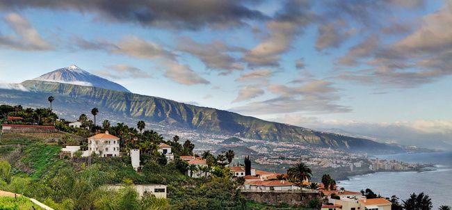 Las Islas Canarias son desde tiempo atrás un destino turístico importante en nuestro país, sus playas, sus paisajes y su clima son la clave de su éxito.