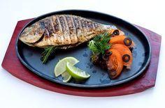 Gegrillter Karpfen  Zum #Grillen eignen sich #Karpfen ganz besonders. Mit diesem Rezept bringst auch du deine Gäste ins Staunen.