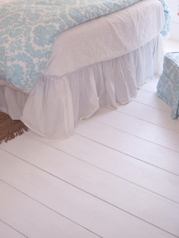 4 Quick Tips For Painting Hardwood Floors...would my husband kill me if I said this was our next project??? =)