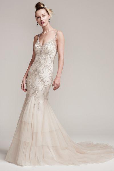 Vestidos de novia con pedrería 2017: Deslumbra a todos invitados el día de tu boda Image: 23