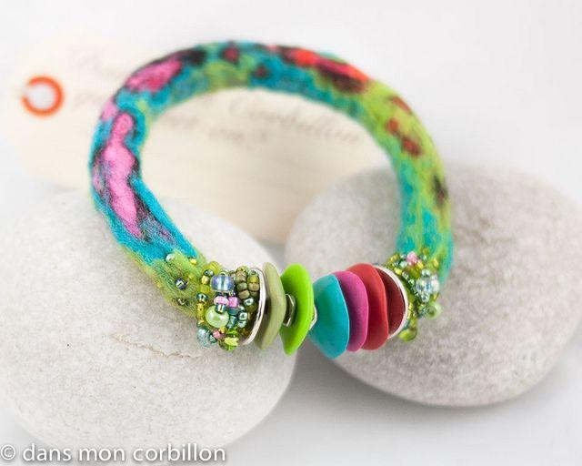 Beautiful felt bracelet - pintemps - Flickr - Photo Sharing ♥