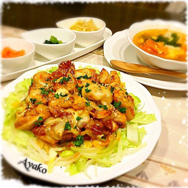 今日は、大好きな韓国料理♡ チーズブルダックは、ご飯のおかずにも、お酒のおつまみにも、ぴったり(*^^*) - 101件のもぐもぐ - チーズブルダック(韓国風辛口チキン)、韓国キムチチゲスープ、3種のナムル by ayako1015