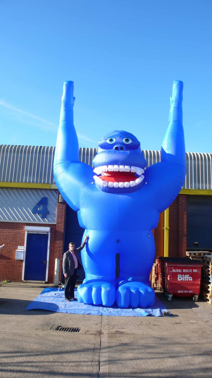 Introducing our giant inflatable Blue Gorilla! (Yet to be named!)  Standing at 25 feet tall and he is perfect for drawing attention to your store!   Available to hire for the day, the weekend, a week or even longer – whatever the length of your promotion.  Just ask his keeper Gill who will be delighted to send you his rental tariff.  Tel: 01295 278600 or email: sales@abcinflatables.co.uk