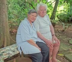 Jorge Amado(1912-2001)  AUTOR DE LIVROS EXTRAORDINARIOS COMO GABRIELA CRAVO E CANELA E TIETA DO AGRESTE e Zélia Gattai(1916-2008) AUTORA DO LIVRO ANARQUISTAS GRAÇAS A DEUS