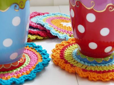 Ilona's blog: Oilily onderzetters haken, patroon! a free #crochet pattern in Dutch and many pictures to explore - very nice colours