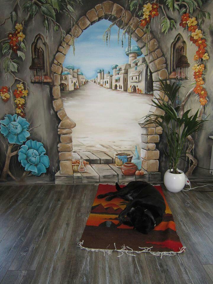 Anja Geertsma thuis muurschildering, normaal doet ze alleen kinder muurschilderingen. <3