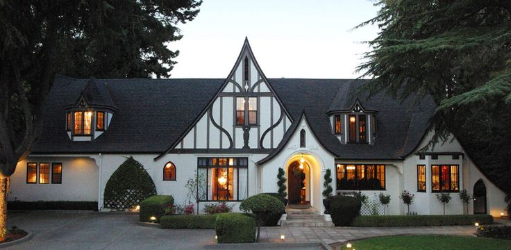 Downtown Napa Historic Bed and Breakfasts: Candlelight-Inn