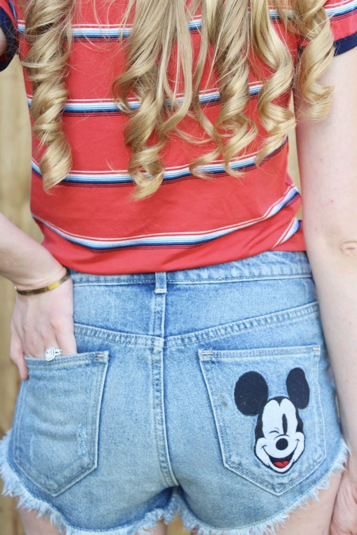 Fourth of July Outfit Ideas | Disney Style | Styled By Magic | H&M Mickey Shorts | Target Style | Red White and Blue Outfit | Disney Shorts | Disney Fashion | Mickey High Waisted Shorts | Mickey Style | Disney Blogger | Kait Around The Kingdom