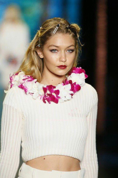 Image via We Heart It #beautiful #blonde #model #pretty #gigihadid