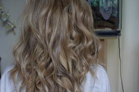 a picture of curly hair using Remington Pearl Curling Wand