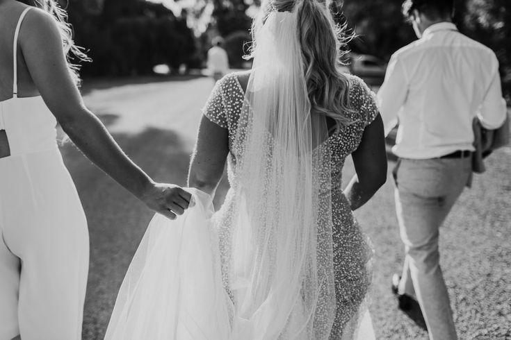 Brown Brothers Milawa Wedding Anna Campbell  Sydney Dress
