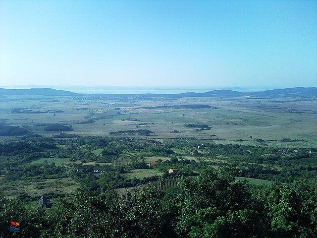 Készítette: Gál Veronika - Szentbékkálla - 2009. augusztus Kilátás a Fekete-hegyről a Káli-medencére és a Balatonra