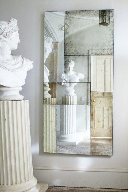Зеркало, составленное из разных кусочков