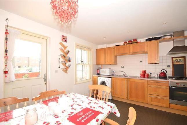 4 bedroom town house for sale in Surrey Street, Littlehampton, West Sussex BN17 - 33199308