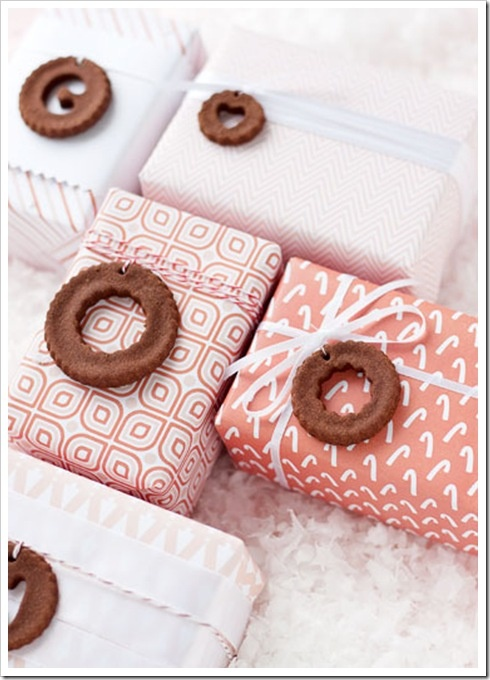 Gift Wrap Inspiration + Printable Gift Wrap = Stunning Packages