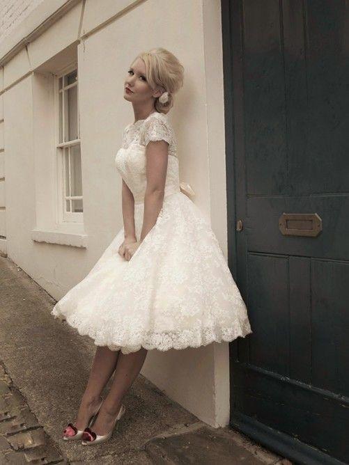 A-Line/Princess Short Sleeves High Neck Lace Tea-Length Bowknot Wedding Dresses