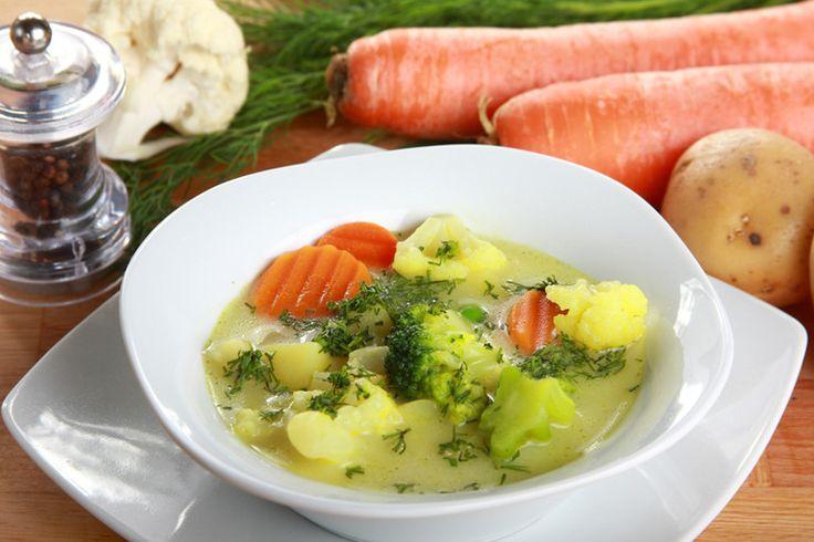 Zupa jarzynowo - kalafiorowa ze śmietaną