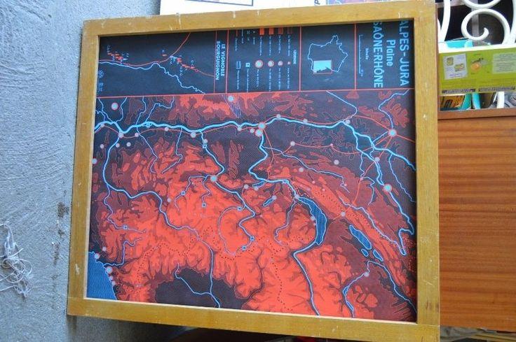 Affiche scolaire Rossignol année 50 Alpes / Jura / Bretagne cadre carte vintage