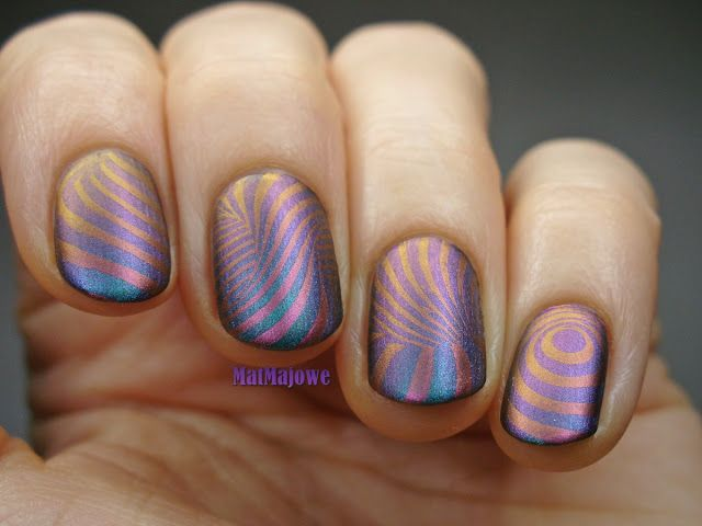 Matte version of the stamping with B.02 Mind Blown B.LovesPlates with duochrome Colour Alike B. a Wenus on duochrome AllePaznokcie FlipFlop 02  http://matmajowe.blogspot.com/2016/01/duochrom-mind-blown.html