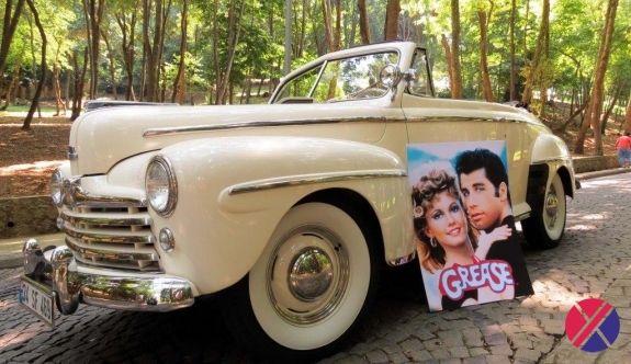 """Arabalı sinemada """"GREASE"""" otomobilleri"""