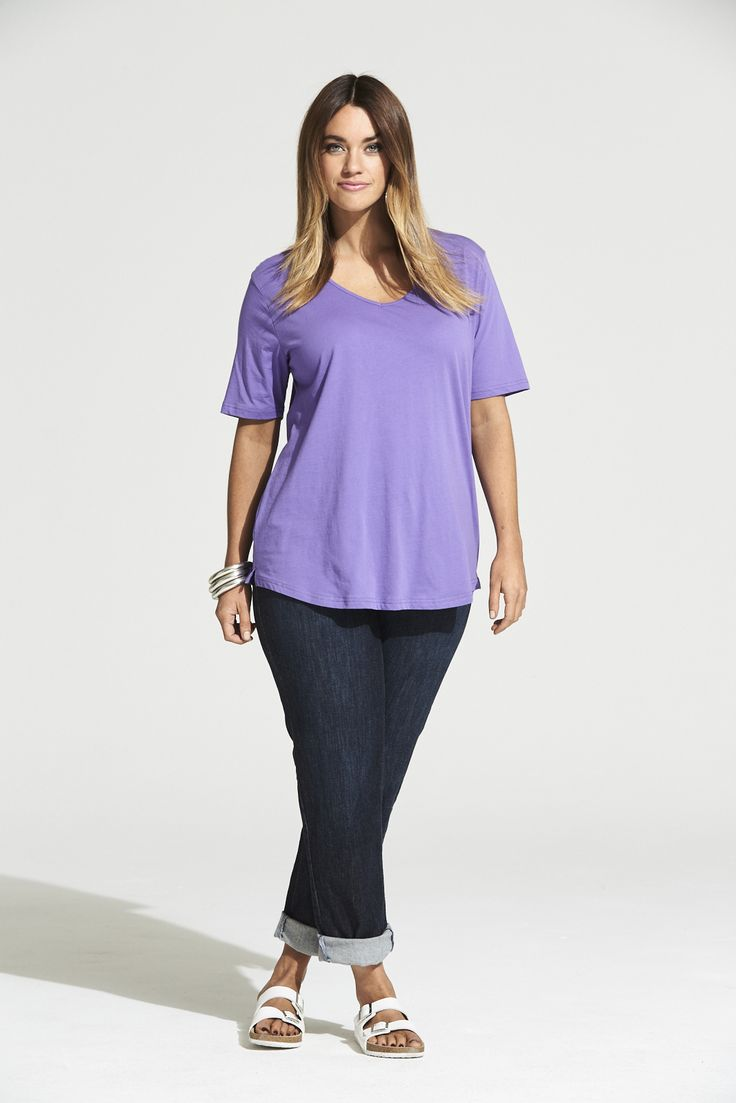 Vee Neck Curved Hem Tee in Summer Lilac  #mysize #plussize #fashion #plussizefashion #summer #newarrivals #outfit