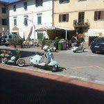 Le Due ruote - Stratolimite garage - noleggio auto d'epoca per matrimoni ed eventi firenze. Maggiolino, Furgone VW, Corvette e Fiat 500