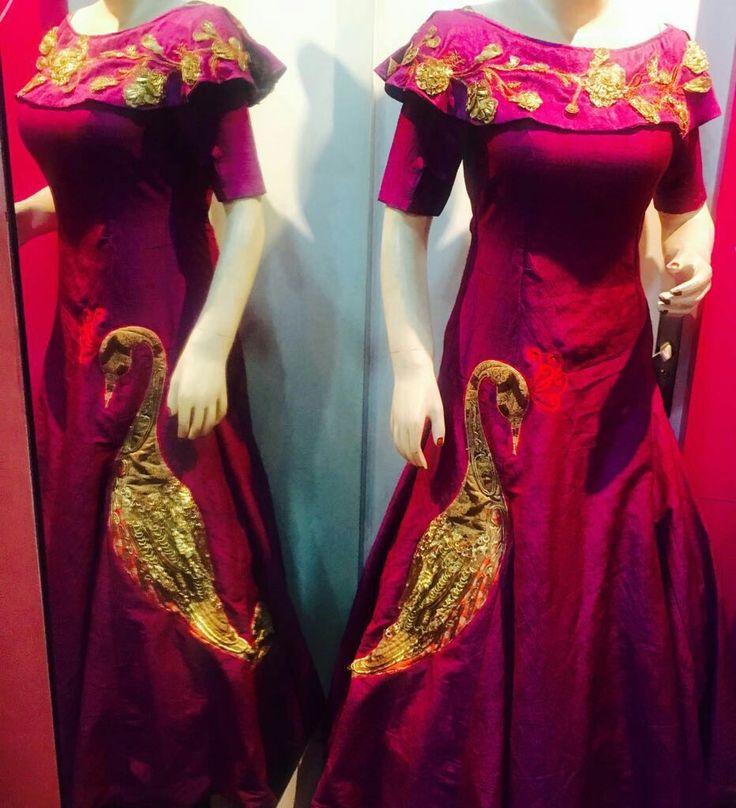 Designers dresses this #Diwali #Dusshera #Karwachauth #Navratras #Wear #TheAura  #DESIGNER #Wedding #bridal #TheAura  #91 99715 64924Wtsapp #9810789894  For r more info and our details like our fb page www.facebook.com/theaurabyvini  Wtsapp 9971564924