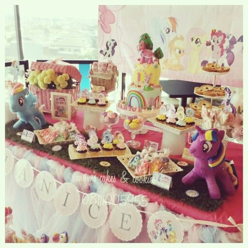 Little Ponny Dessert Table