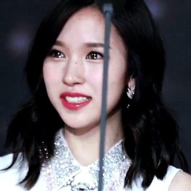 Mina titisan putri duyung kah??? Lihat deh matanya kaya mau ngeluarin mutiara  Matanya berkilau Cantik!!(づ )づ . . Cr : twiceswings . . . . . . . . . #twice #트와이스 #nayeon #jungyeon #momo #sana #jihyo #mina #미나 #dahyun #chaeyoung #tzuyu #twicevideos #twicegif #once #onceindonesia #twiceindonesia #stantwice #kpop #girlgroup