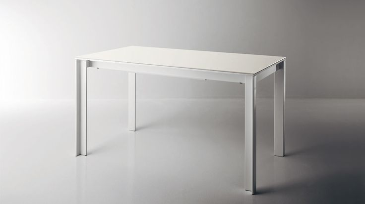 Oslo table. Extensible table with glass or laminate top. #Scavolini