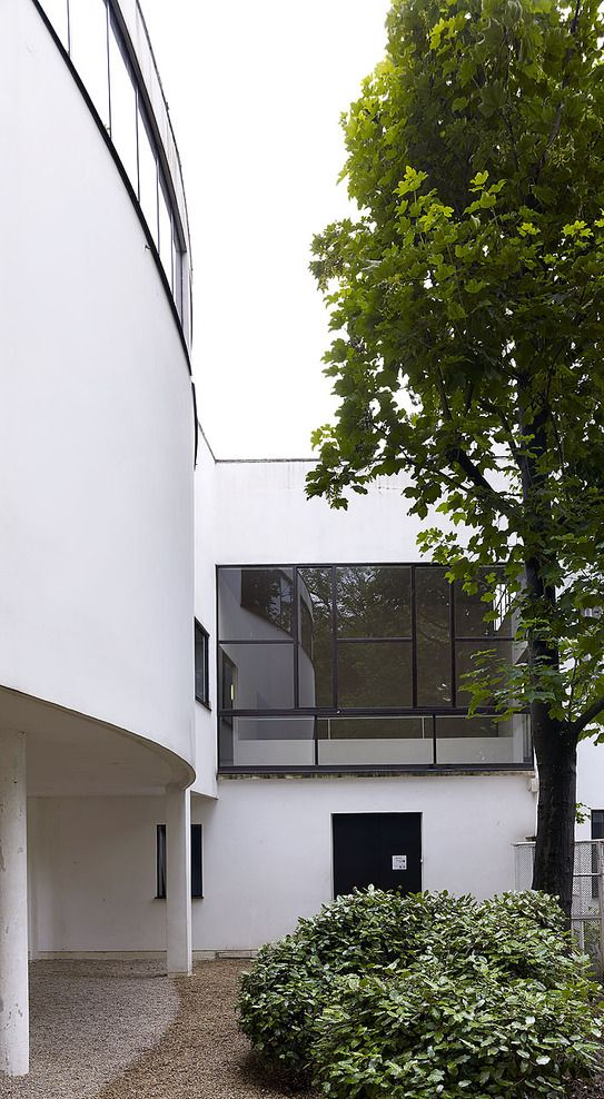 Villa La Roche, also Maison La Roche, Paris, France by Le Corbusier and Pierre Jeanneret :: 1923-1925