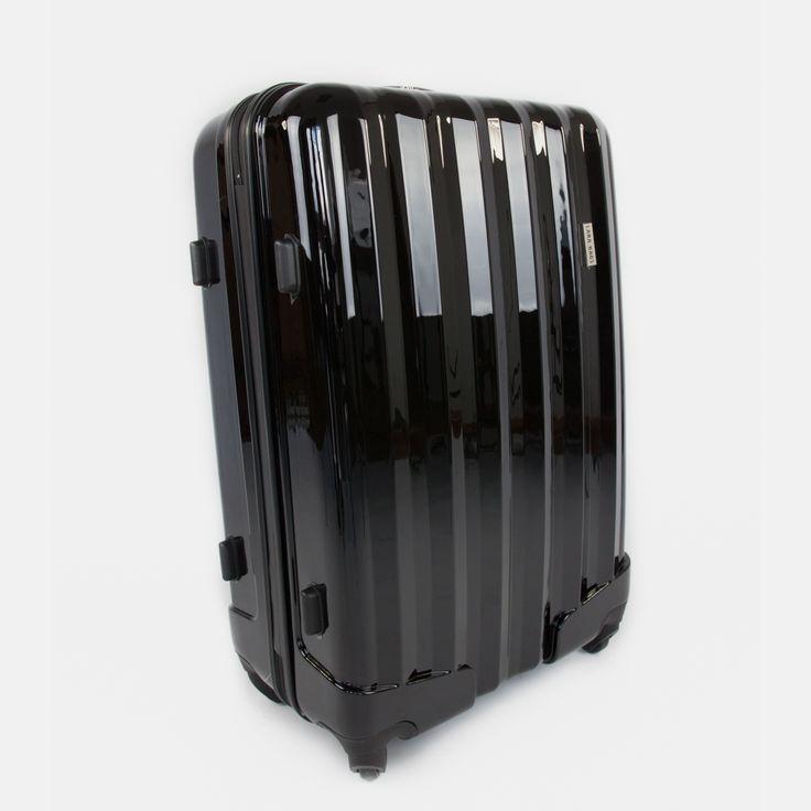 Čierny cestovný kufor plastový veľký